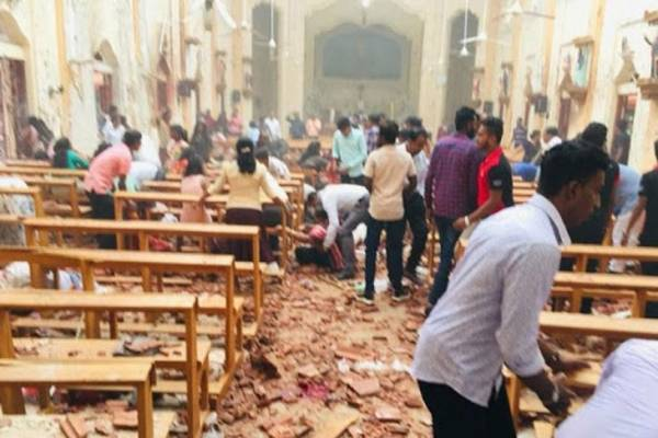 श्रीलंका:आतंकी हमले से दहला कोलंबो 129 की मौत 300 से अधिक घायल।