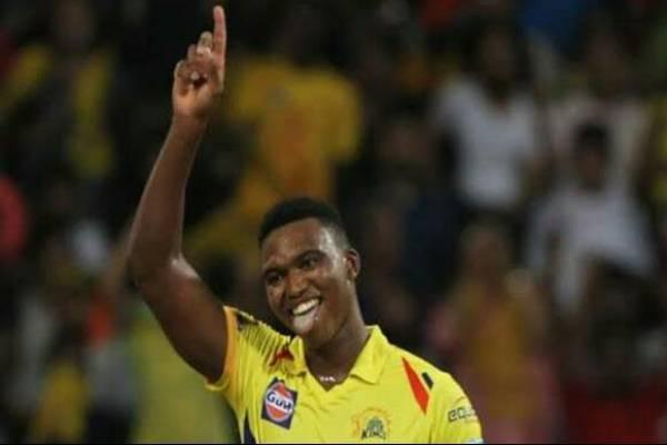 IPL 2020:दो गेंदों में 27 रन देकर चेन्नई के इस तेज़ गेंदबाज ने बनाया शर्मनाक रिकार्ड..!