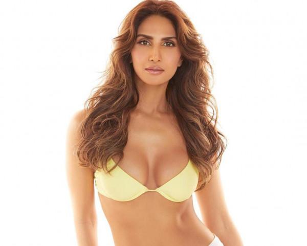 Vaani Kapoor: 33 की हुईं वाणी अपने पहनावे को लेकर कई बार रहीं विवादों में