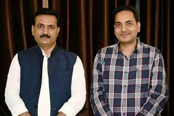 UP News Today: बेसिक शिक्षा मंत्री Satish Dwivedi के भाई Dr Arun Dwivedi ने दिया असिस्टेंट प्रोफेसर के पद से दिया इस्तीफा।