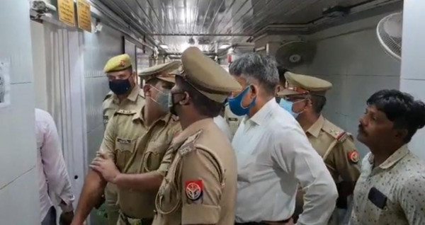 Uttar Pradesh News: बापू भवन में अपर मुख्य सचिव के निजी सचिव ने ख़ुद को गोली से उड़ाया.हड़कम्प