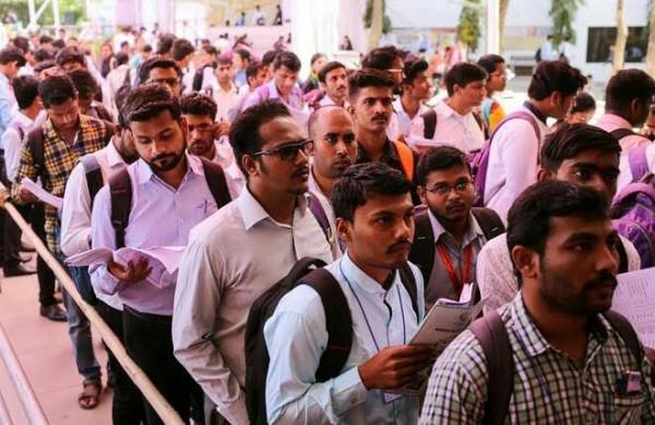 Uttar Pradesh:सरकारी नौकरी भर्ती की उम्रसीमा में बदलाव की तैयारी, 30 साल करने की हुई सिफारिश, जान लें पूरी बात