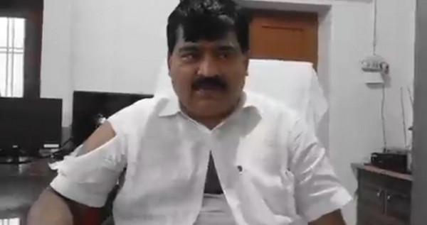 Sangam Lal Gupta:यूपी में बीजेपी सांसद को दौड़ा दौड़ा कर पीटा वीडियो वायरल