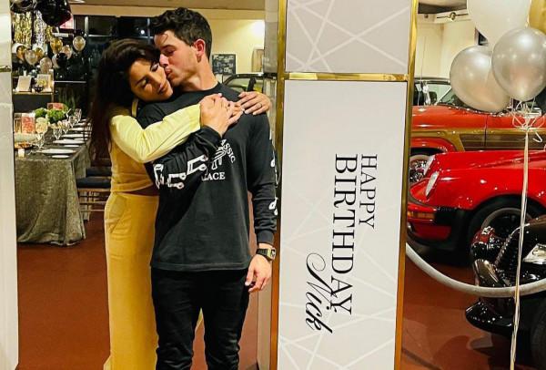 Nick Jonas Priyanka Chopra:उन्नतीस के हुए प्रियंका चोपड़ा के पति निक ज़ोनास एक्ट्रेस ने हॉटलुक में किया Wish