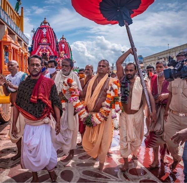 Jagannath Rath Yatra 2021: निकाली जा रही है भगवान जगन्नाथ की रथ यात्रा.राष्ट्रपति, प्रधानमंत्री ने दी शुभकामनाएं